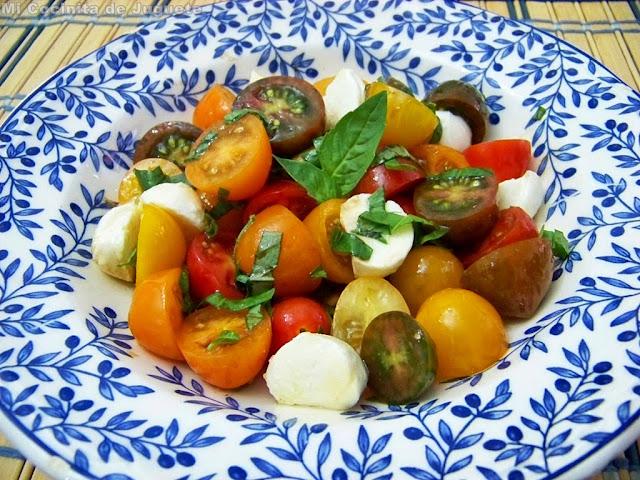 Ensalada de Tomates Cherry y Mozarella