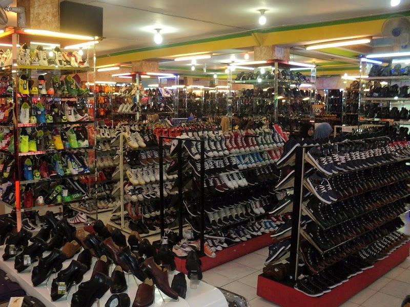 sepatupria terbaru Alamat Toko Sepatu Murah Di Bandung Images