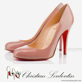 Princess Mette-Marit wear Christian Louboutin Simple Pump