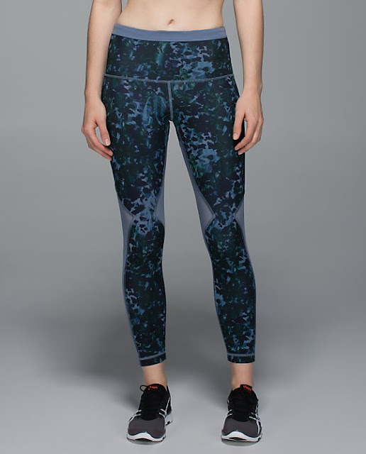 lululemon-running-in-the-city-7/8-tight floral-backdrop-blue-denim