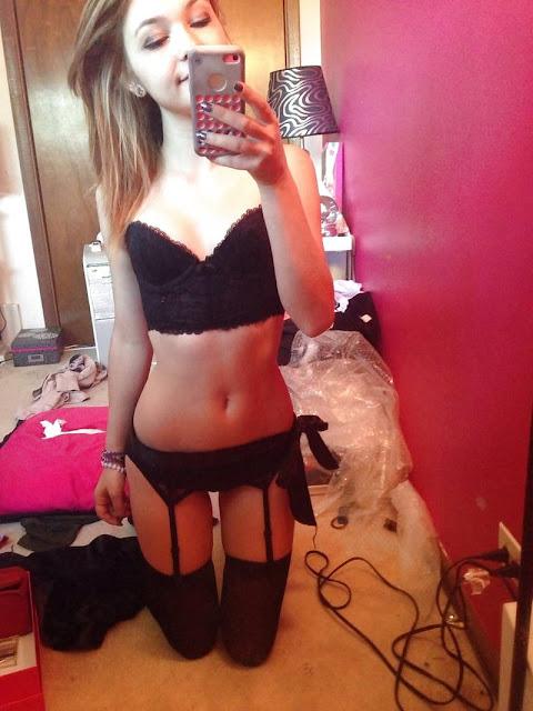 teen selfie nude pics 06