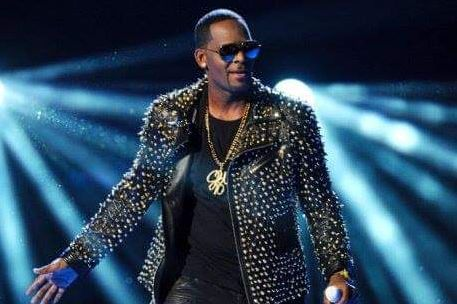 R.Kelly Fears His 10 Count Charges On Sex Abuse and Surrender to Police