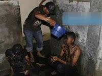 Tertangkap Lakukan Perzinahan, Dua Pasangan Remaja Di Aceh ini Diguyur Air Comberan, Begini Kejadiannya