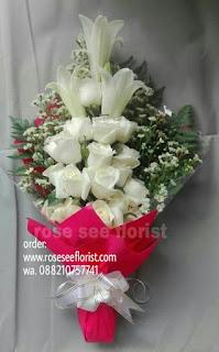 Hand Bouquet Bunga Segar
