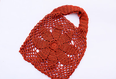 4-Imagen bolso de flor a crochet y ganchillo Majovel Crochet