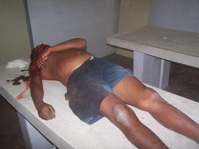 Homem que roubava e cheirava calcinhas estava usando a peça íntima quando  foi morto a tiros 74327513249