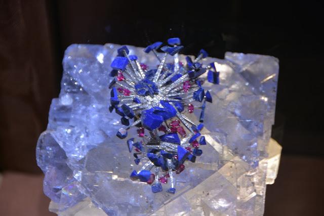 Dali Jewelry blue ice