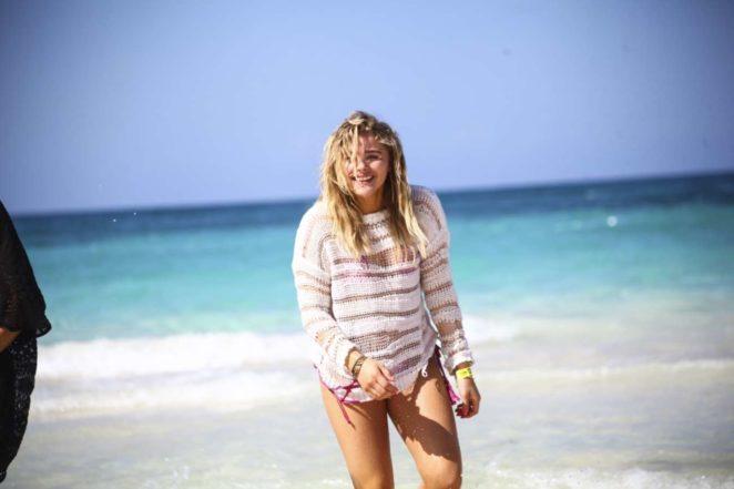 chloe moretz bikini pic 02
