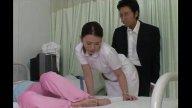 แอบเอานางพยาบาลตอนเมียหลับ เย่อกันข้างๆเตียงเงียบๆ หนังโป๊ญี่ปุ่นแท้ๆ