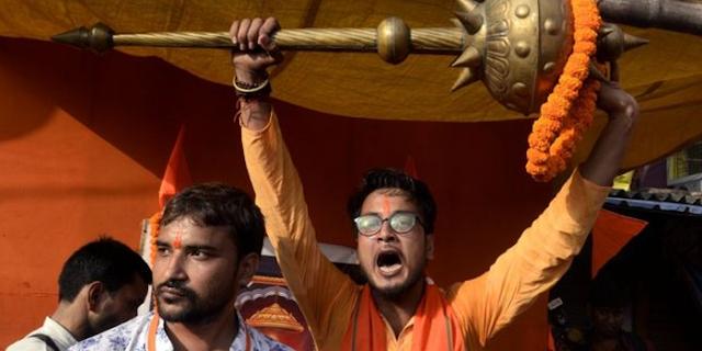 भारत : धर्म की राजनीति और राजनीति का धर्म | EDITORIAL by Rakesh Dubey