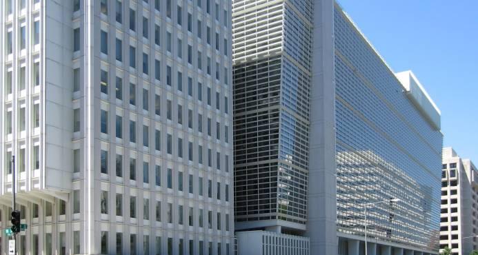 Economista jefe del BM dimite tras polémica sobre informe de competitividad