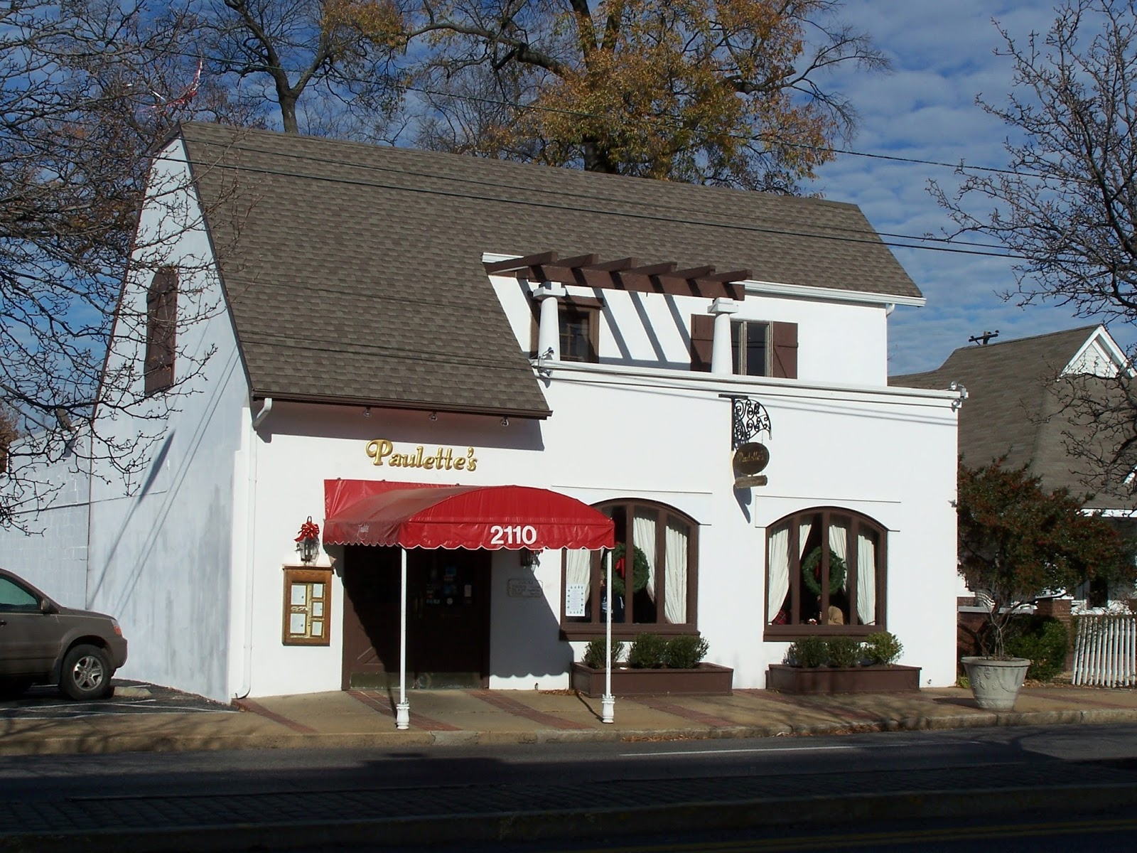When I Took This Photo In 2006 Paulette S Was One Of The Few Restaurants Overton Square At Time Today Is Downtown Harbor Town