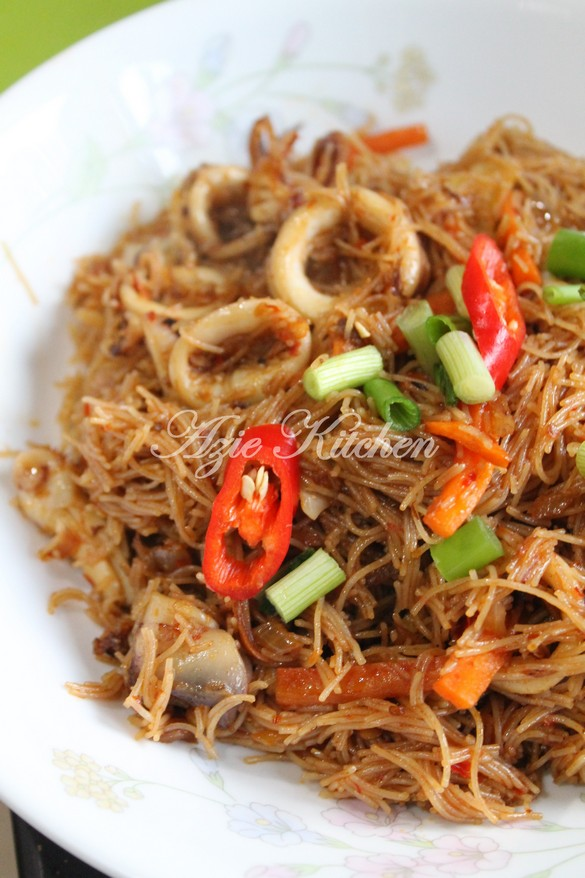 Mee Hoon Goreng Yang Sangatlah Sedap Nyer - Azie Kitchen