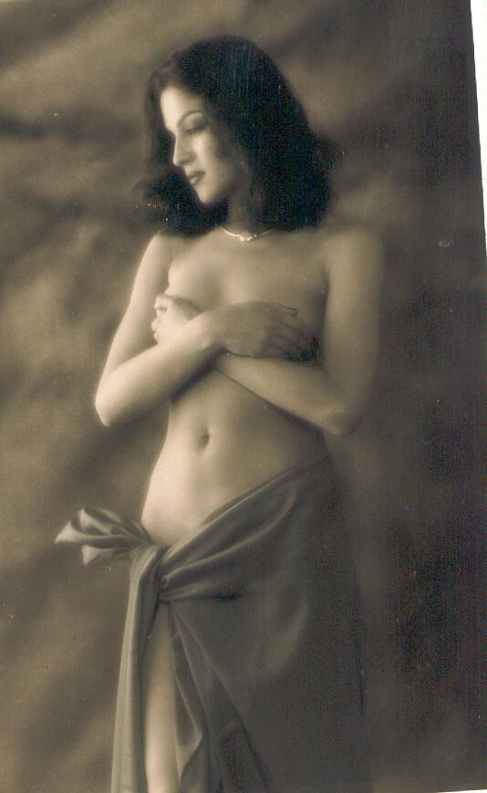 Naughty Celebrity Veena Malik Nude Photoshoot 2005-6615
