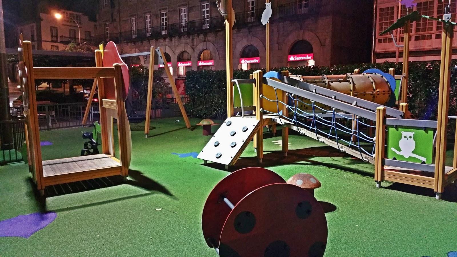 Compostela ilumina un parque infantil de noche para - Construir parque infantil ...