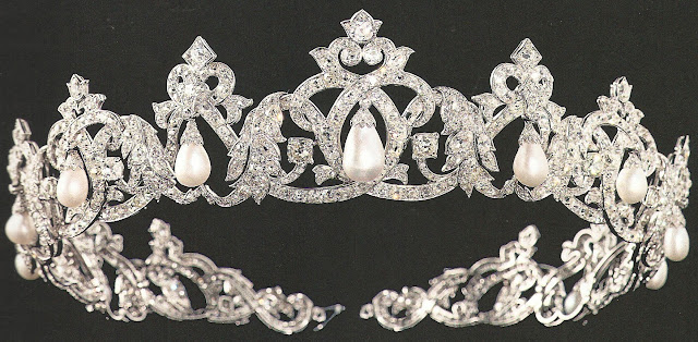 princess charlotte monaco cartier pearl drop tiara