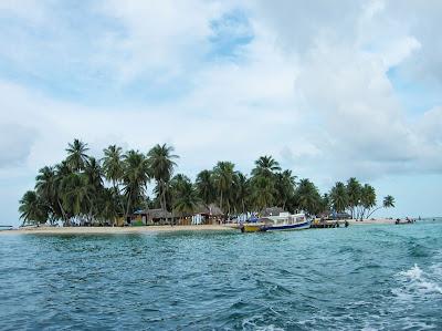 Isla aguja,  Guna Yala, San Andrés, Panamá, round the world, La vuelta al mundo de Asun y Ricardo, mundoporlibre.com