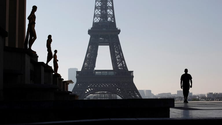 فرنسا-تسجل-تراجعا-جديدا-للوفيات-اليومية-بفيروس-كورونا-برصد-96-حالة
