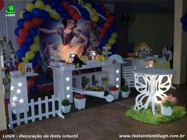 Decoração provençal tema Branca de Neve para festa infantil