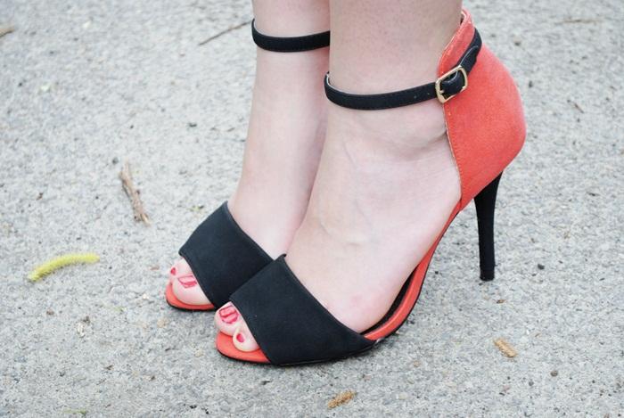 dwukolorowe sandały