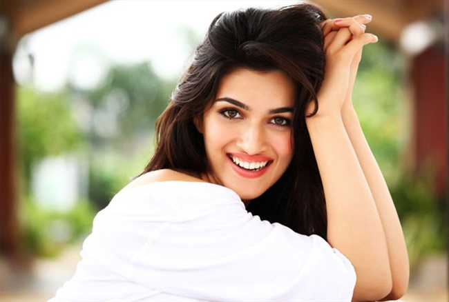 Kriti Sanon biography:  Kriti Sanon Born on 27 july 1990.Kriti Sanon was born on new delhi.she is model and film actress.she is very talented.Kriti Sanon HQ images,Kriti Sanon biography,Kriti Sanon latest pics,Kriti Sanon HQ wallpapers,Kriti Sanon movies,Kriti Sanon new pics,Kriti Sanon family pics.