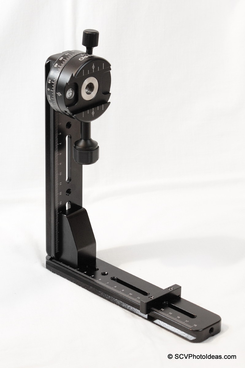 Benro PC-0 Panorama clamp fixed on vertical rail
