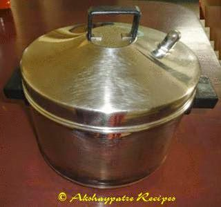cook the idlis in a idly cooker