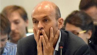 El ministro de Transporte, Guillermo Dietrich, anunció ayer que no habrá alzas en trenes y colectivos como estaba previsto para abril. También se demoró la del agua y se dividió en tres la del gas. Buscan reducir el impacto en la medición de la inflación.