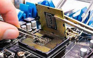 Prosesor atau Mikroprosesor yaitu perangkat yang keras yang menjadi otak dan komputer ta Pengertian Processor dan Fungsinya Dalam Perangkat Komputer atau Laptop