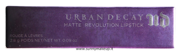 Urban Decay - Matte Revolution. Rossetto Stark Naked.