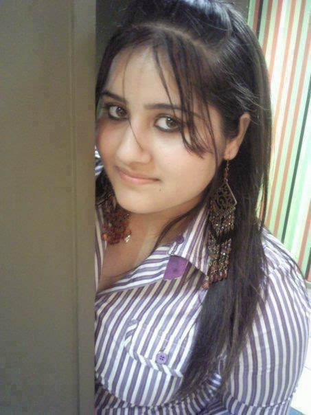 Most Beautiful Indian Desi Girls Pictures