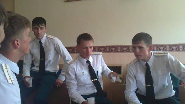 Как молодые лейтенанты в отпуск собирались
