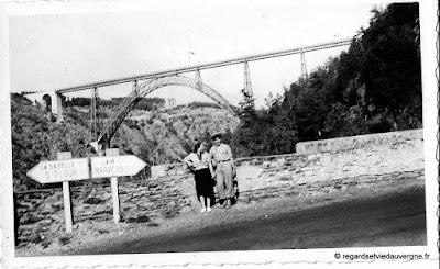 Photo de famille noir et blanc, Viaduc de Garabit