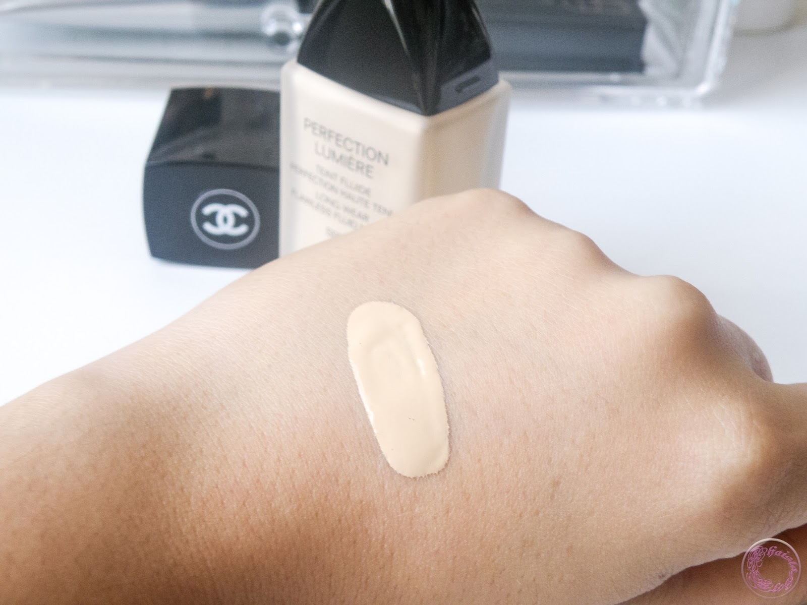 All the reviews I read about Chanel foundations, most of these missed the point that Chanel foundations oxidise and can get darker up to two shades.