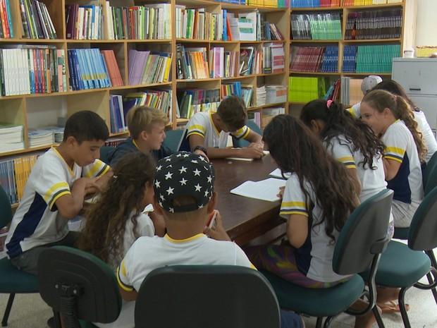 Biblioteca de R$ 170 mil é inaugurada em escola estadual de Ji-Paraná