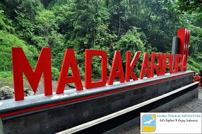 paket-tour-malang-bromo-madakaripura-waterfall