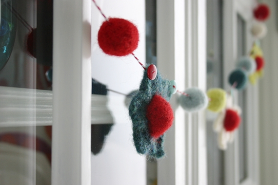 Berries and Blooms Garland crochet pattern by Susan Carlson of Felted Button