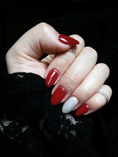 Semilac Classic Wine - świąteczny manicure.