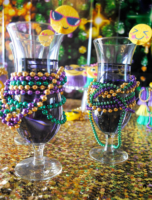 It wouldn't be Mardi Gras without  a hurricane. www.fizzyparty.com
