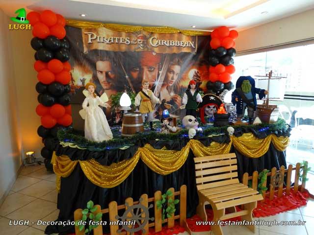 Decoração luxo Piratas do Caribe para festa de aniversário