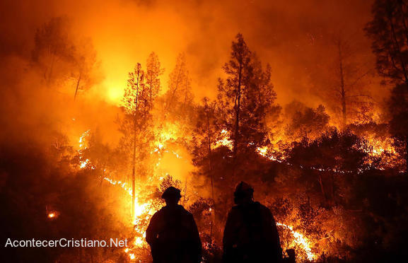Gigantesco incendio forestal en California