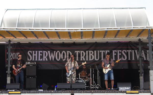 PauMau blogi nelkytplusbloggari nelkytplus kerava tribute to sherwood festival  jack ryder band