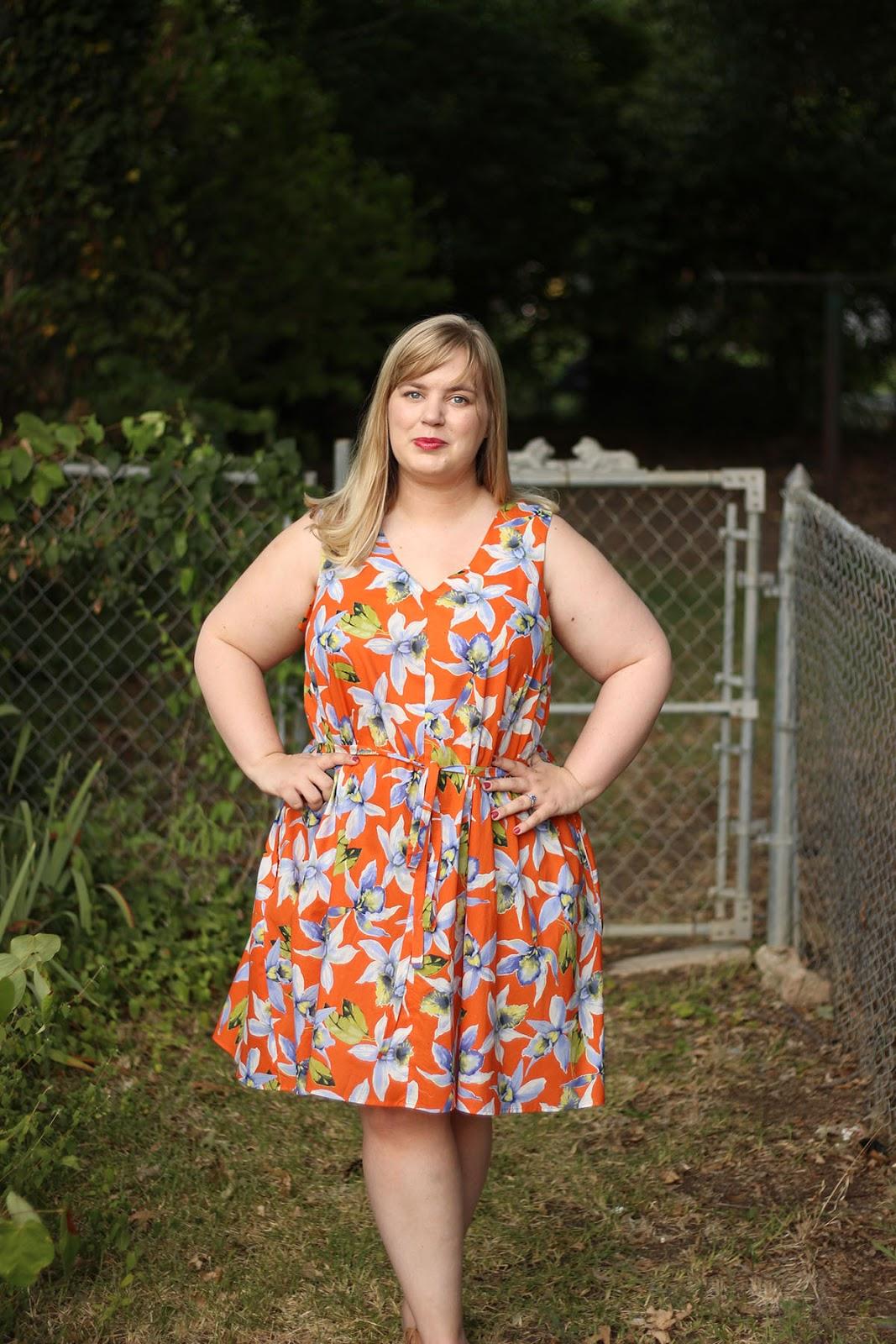 00f7f0a551653 Miss Gloria Feels the Heat  Papercut Sway Dress