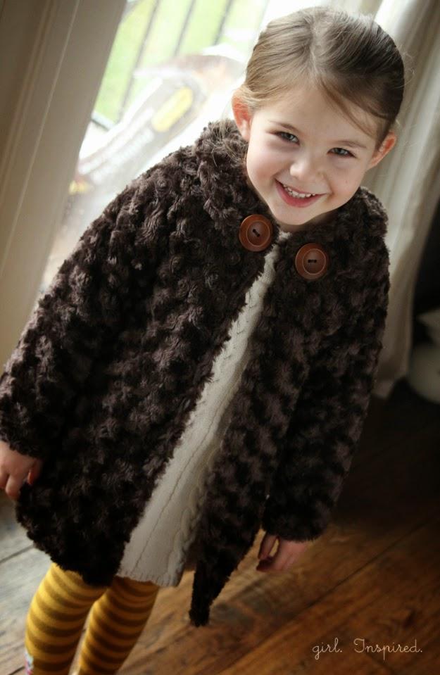 Patrón gratis: abrigo niña talla 4-5 años