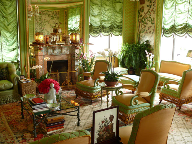 The devoted classicist susan gutfreund lists apartment for Garden rooms b q