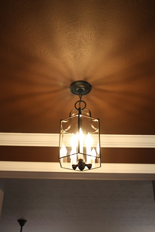 painting a thrifted light fixture