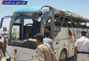 No Egito muçulmanos promovem ataque contra ônibus de cristãos, pelo 23 são mortos