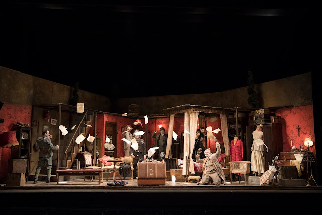 English Touring Opera - Puccini: Gianni Schicchi (Photo Richard Hubert Smith)