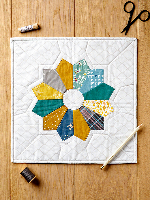 How to sew Dresden Plates: free templates & tutorial by Zoë Williams of Love Patchwork and Quilting