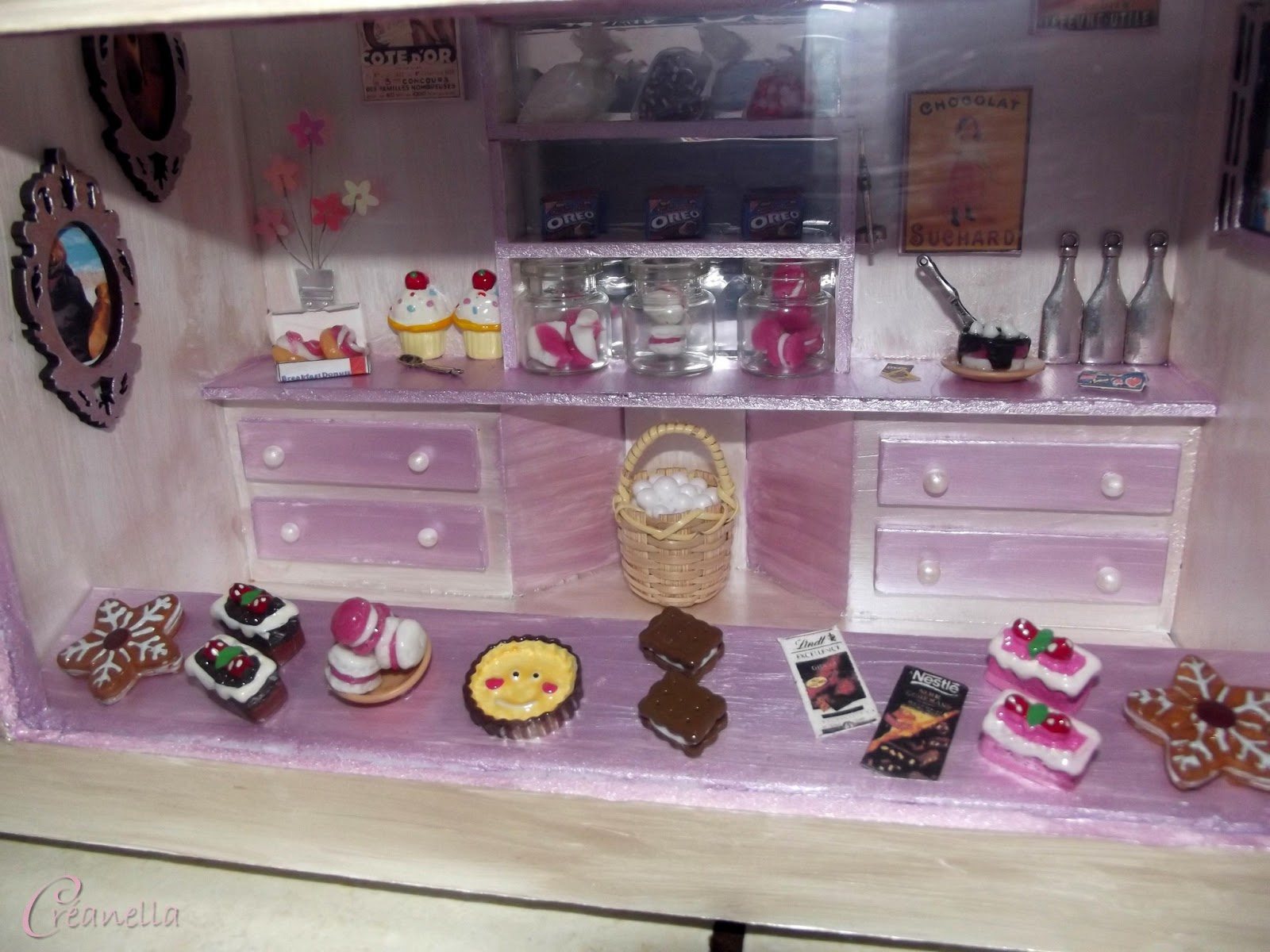 vitrine pour miniature. Black Bedroom Furniture Sets. Home Design Ideas